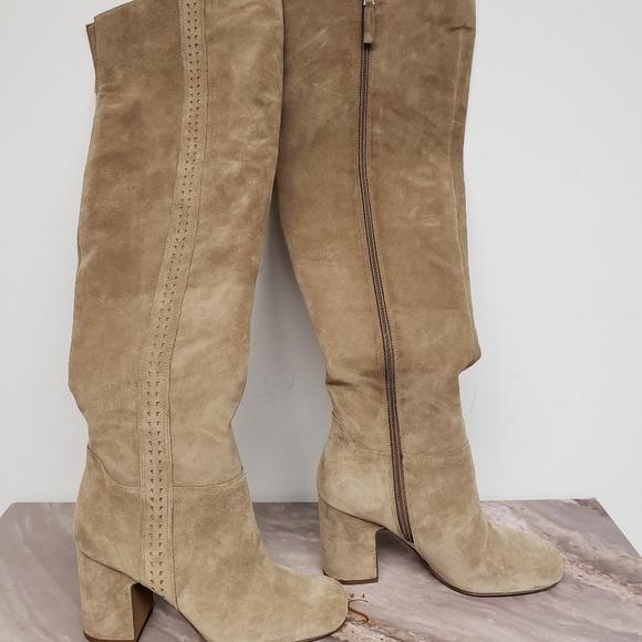 cde8258cc5c Women s Franco Sarto Boots Size 6